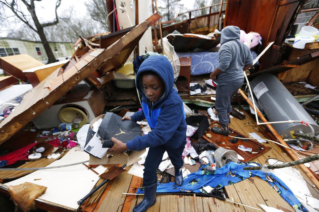 Severe storms strike the southeast, five dead