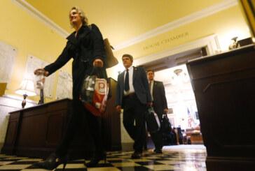 Va. lawmakers pass minimum wage increase, progressive bills